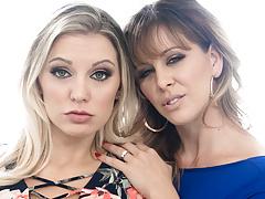 Mature Stepsiblings Turn Into Lesbians