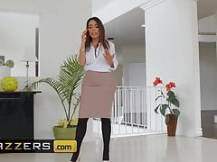 Dirty Masseur - Lela Star Small Hands - Never Enough Oil